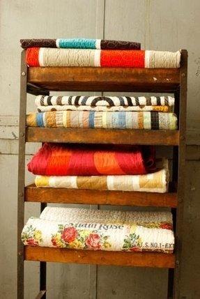 Modern Blanket Rack Foter
