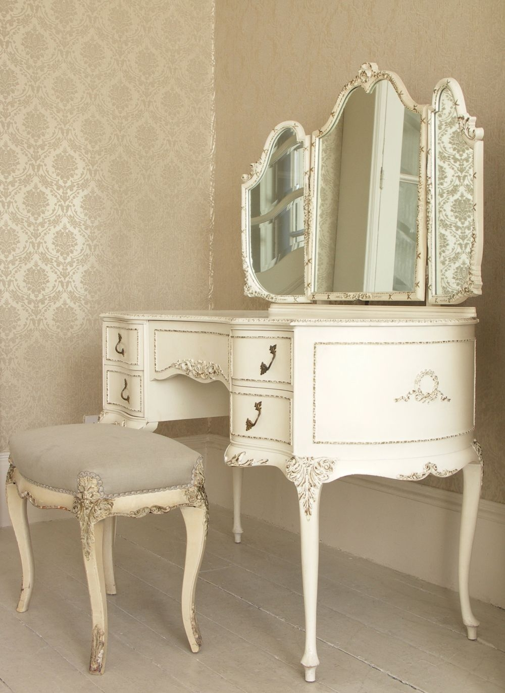Next time you get to do makeup or hairstyles - it will be in a really royal Victorian style. Stylized for romantic French furniture - pink vanity sink ... & Pink Vanity Set - Foter