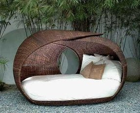 Wicker daybed frame 10