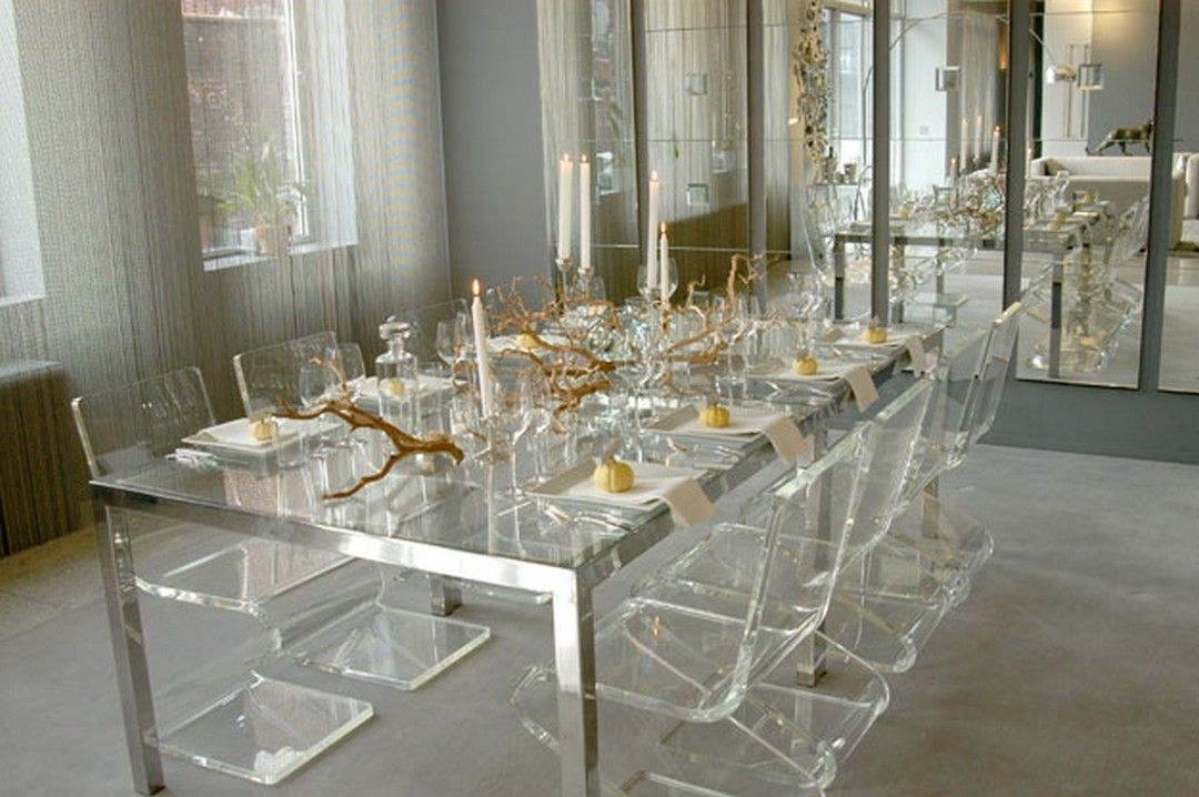 Merveilleux Clear Acrylic Dining Table