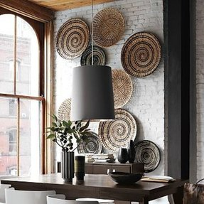 Large decorative plates for the wall