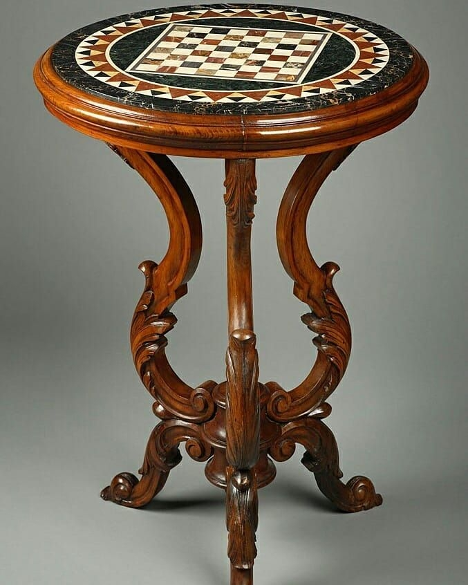 Round chess table 8