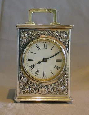 Silver Table Clock Foter