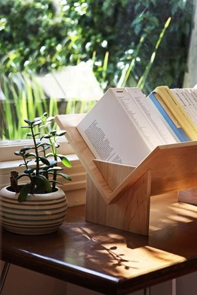 Table top book shelf