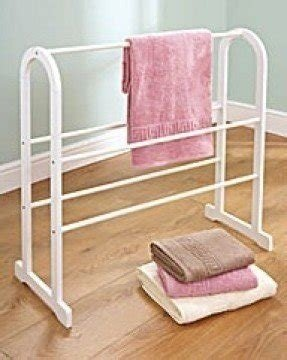Wooden towel stand 2