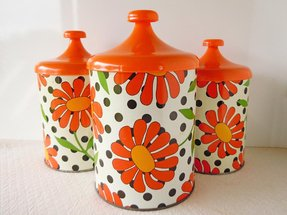 Bright kitchen canisters