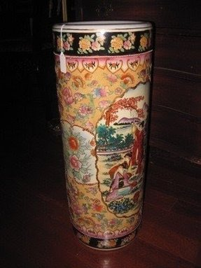 Chinese porcelain umbrella stand 2
