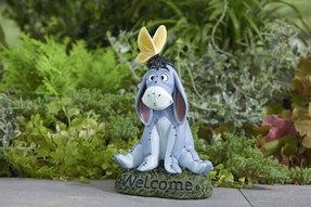 Lawn ornaments and statues 10