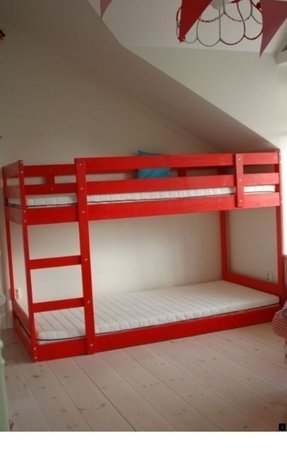 Lower bunk beds 1