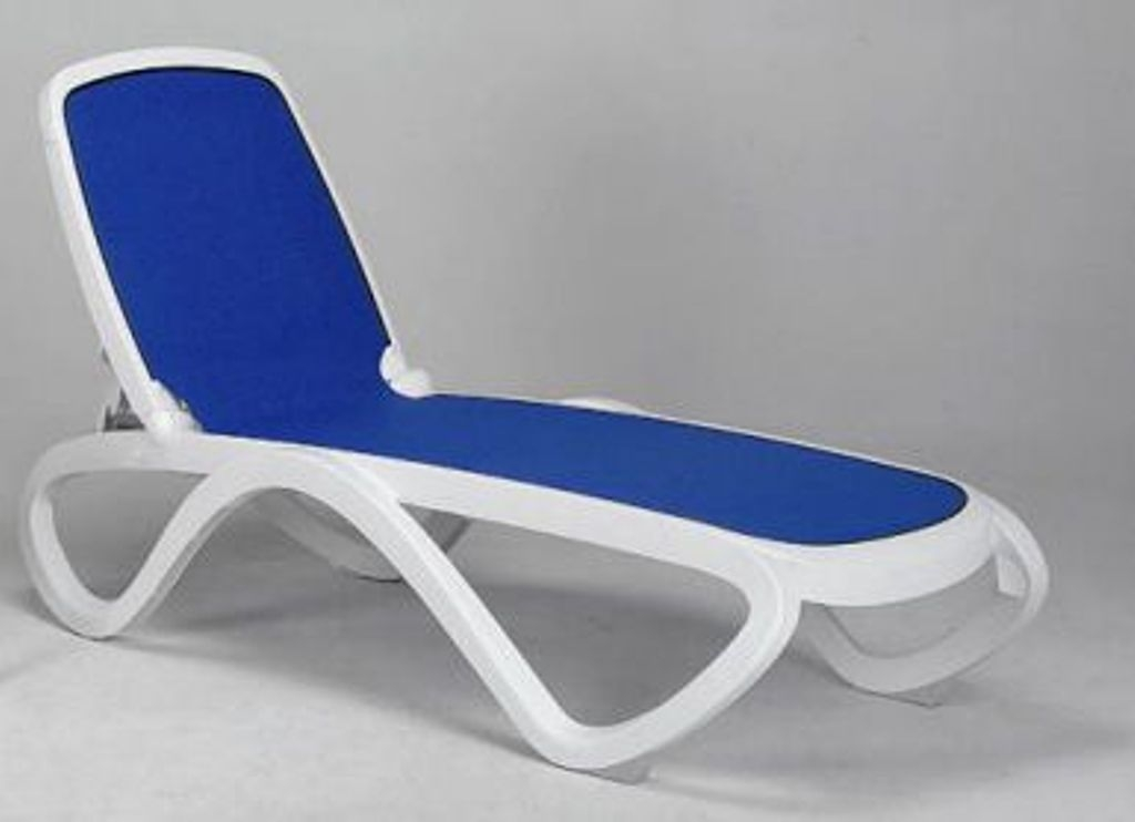 Merveilleux Over A Plastic Chaise Lounge Chairs Fit Most Patio Furniture