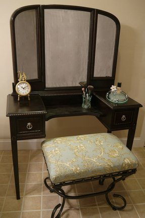 Antique mahogany vanity