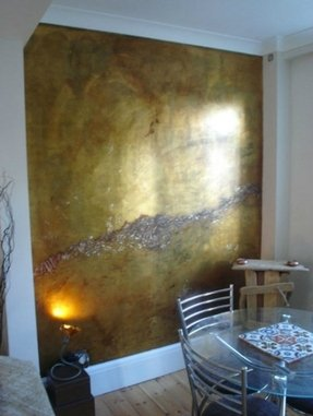 Beautiful metallic wall via plum siena