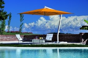 Capri cantilever umbrella 1