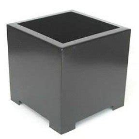 Square metal planter 11