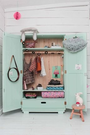 Wardrobe closet for kids