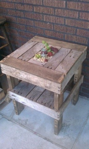 Wine crate end table