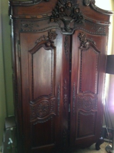 Superbe Cherry Wood Armoire 10