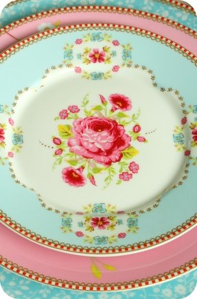 Floral dinnerware sets