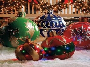 Inflatable christmas ornaments