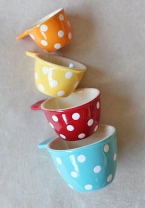 Ceramic measuring spoons and cups