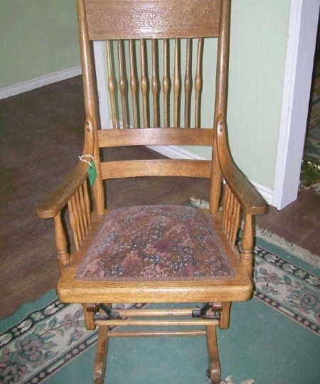 Merveilleux Antique Oak Glider Rocker Circa 1878