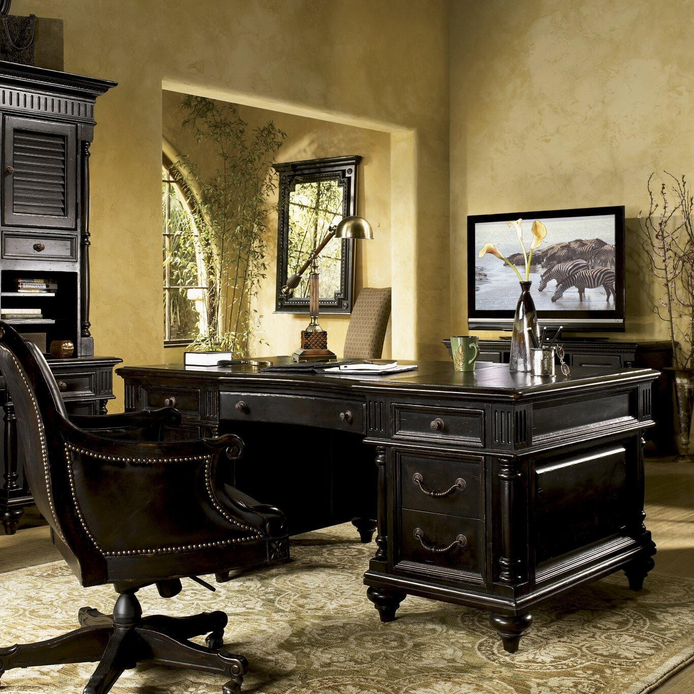 Kingstown Admiralty Executive Desk