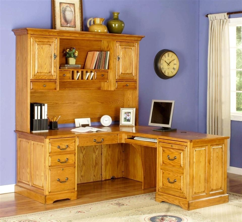 Shape return desk w executive hutch set in golden oak
