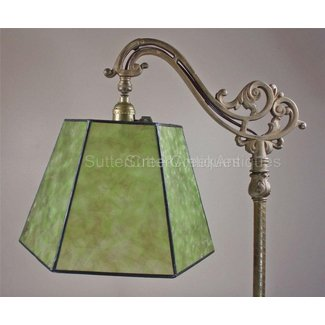 Screw on lamp shade 1