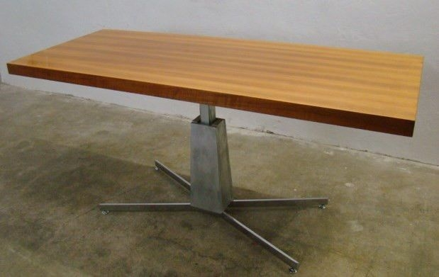Adjustable Height Cocktail Table 9