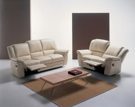 Reclining Sofa With Polyurethane Hypoallergenic Foam Cushions