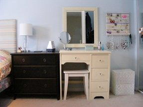 wholesale dealer cc4e0 630ce White Vanity Table With Mirror - Ideas on Foter