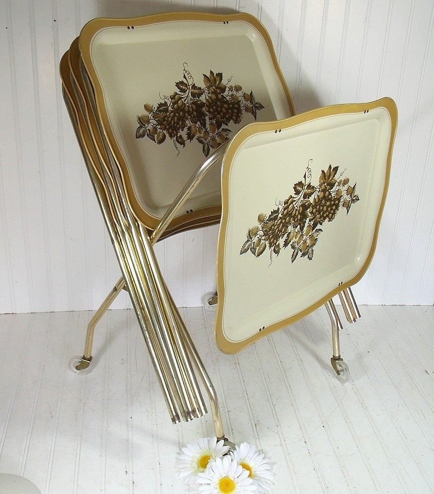 Superbe Metal Folding Tray Table