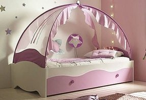 Fairytale canopy beds for your little princess 1