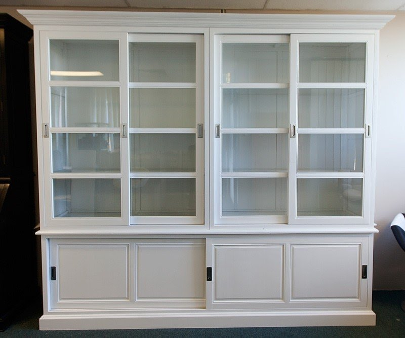 Charmant Buffet Cabinet With Glass Doors 2