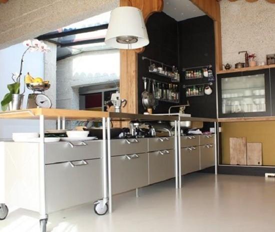 Charmant Kitchen Cabinets On Wheels