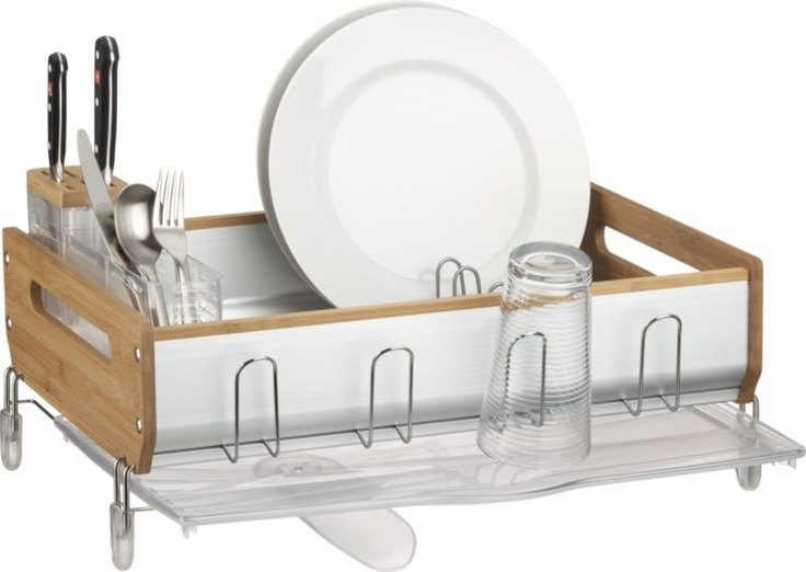 Dish rack with drainer tray