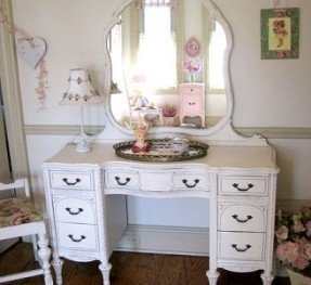 Bedroom Makeup Vanity White