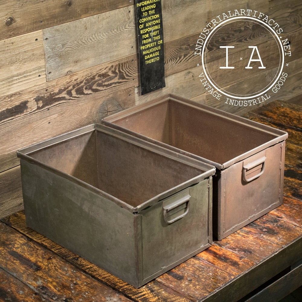 Merveilleux Vintage Industrial Metal Storage Bins Boxes Organizers Totes Chests