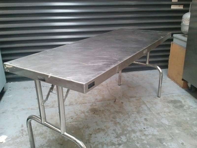 Aluminum folding table 1