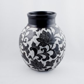 Black And White Vase Foter