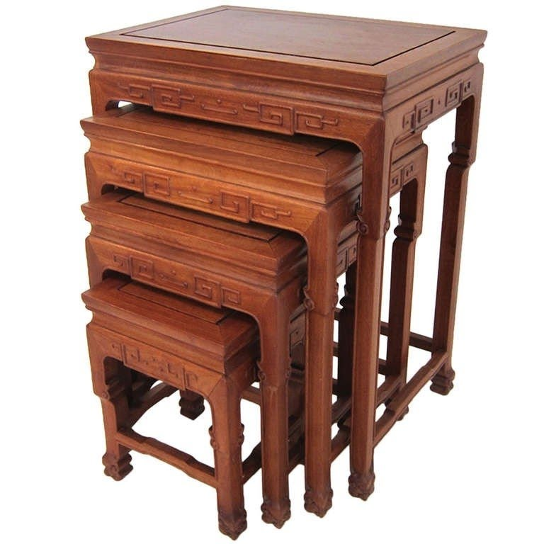 Superbe Set Of Chinese Rosewood Stacking Tables