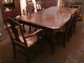Antique Walnut Jacobean Complete Dining Room Set 11pcs Made In