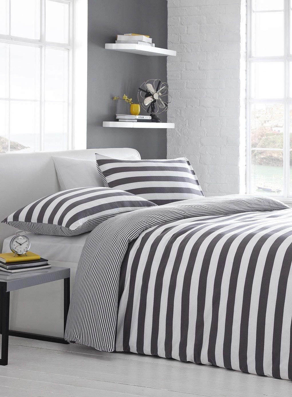 Merveilleux Black White Striped Comforter
