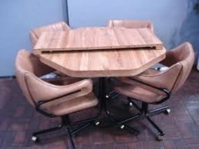 For sale affordable octagon kitchen table leaf and 4 chairs