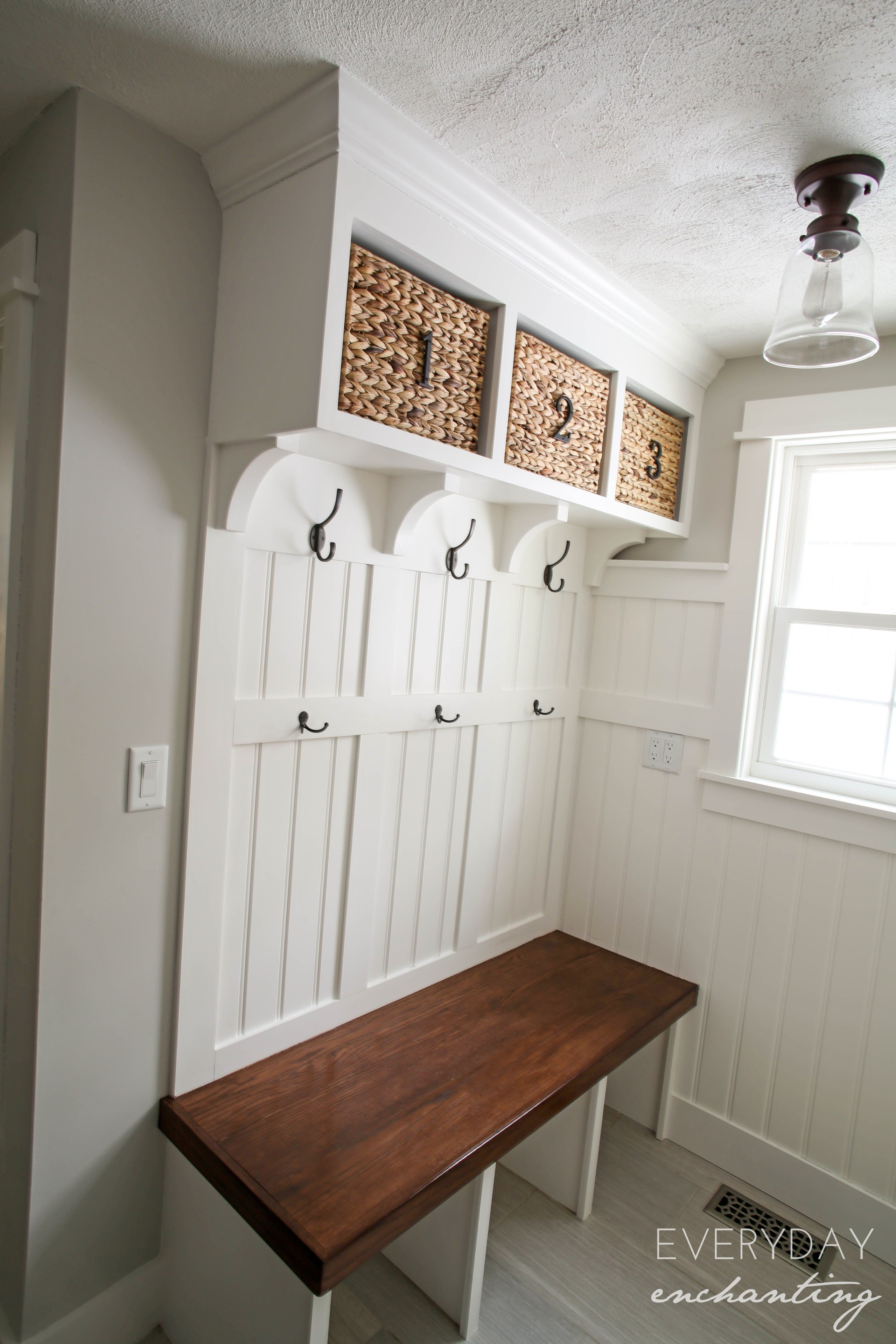 Charmant Mudroom Storage Bench 11