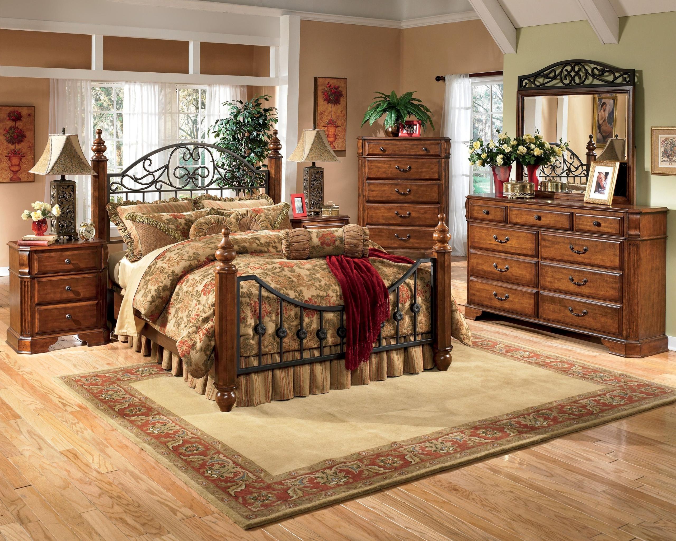 Wyatt Wood Metal Bedroom Set