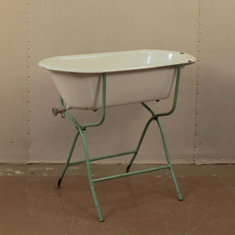 Baby Bathtub Stand 2