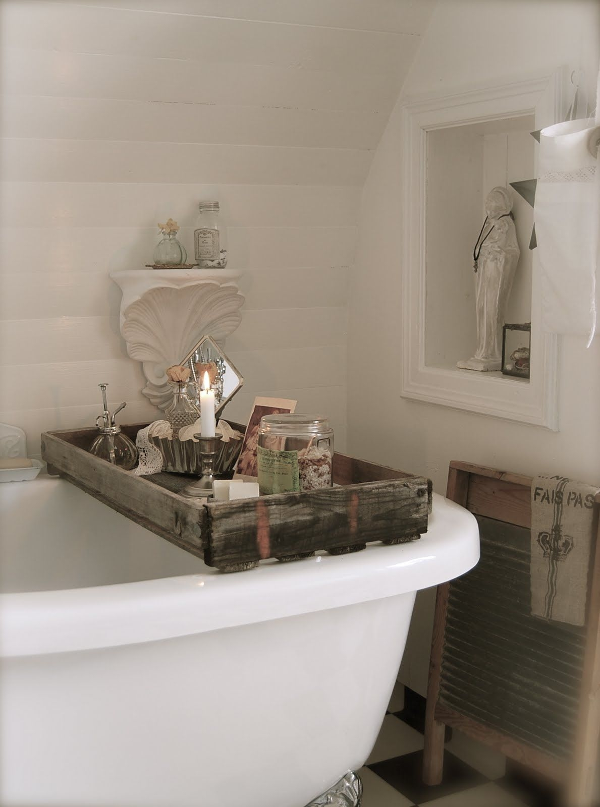 Lovely Clawfoot Tub Shower Caddy 1