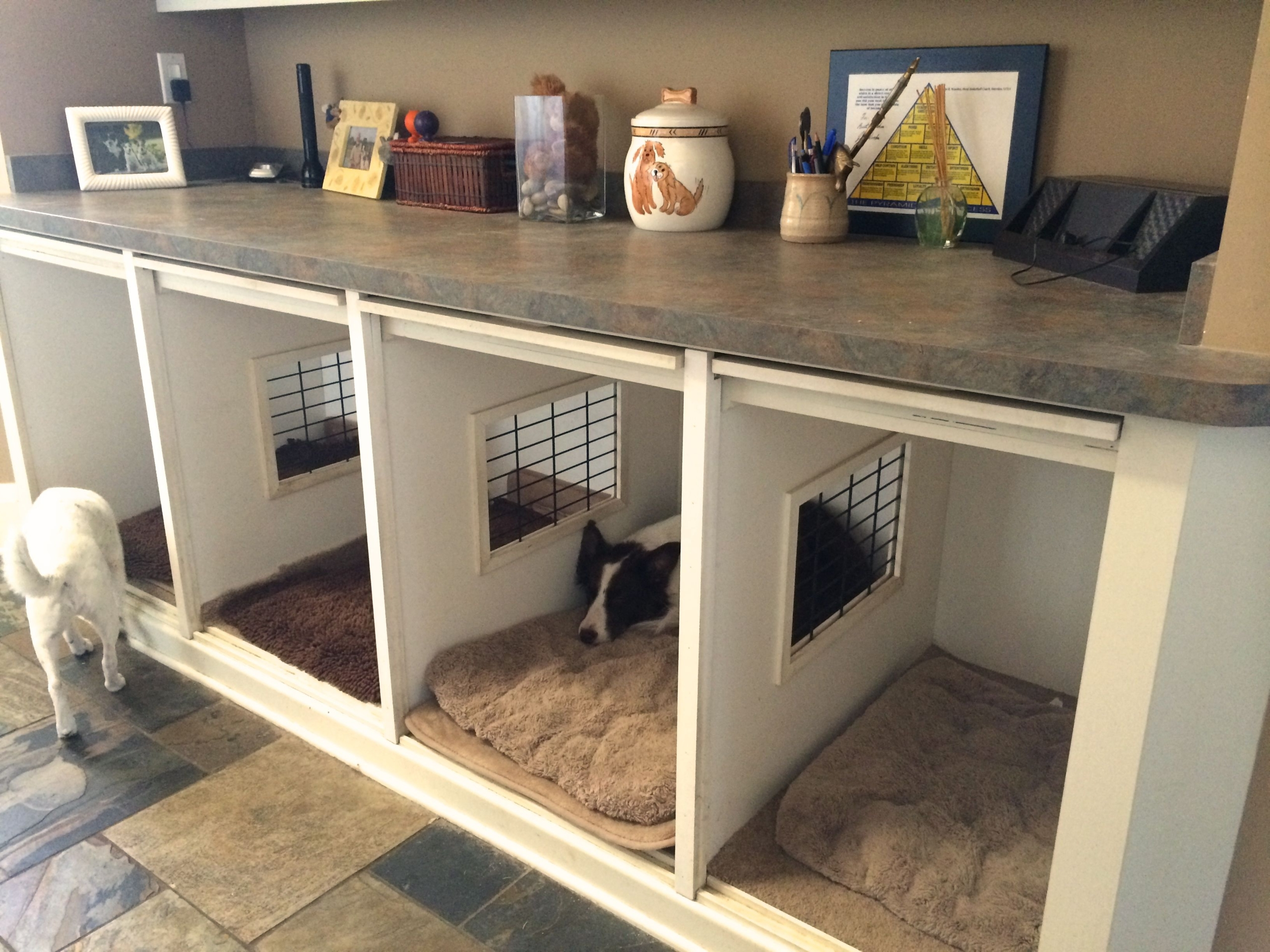 Superieur A Wonderful Option For Owners Of A Few Dogs. Itu0027s A Type Of An Indoor Dog  Kennel, Which Is Also A Piece Of Furniture. The Construction Is Divided  Into ...
