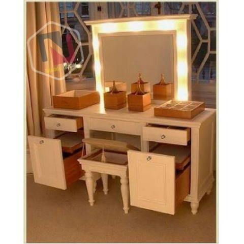 Attirant Dressing Table With Lift Up Mirror And Lights